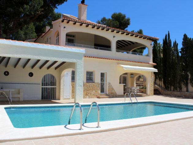 Renovated Luxury Villa with Sea Views in Moraira